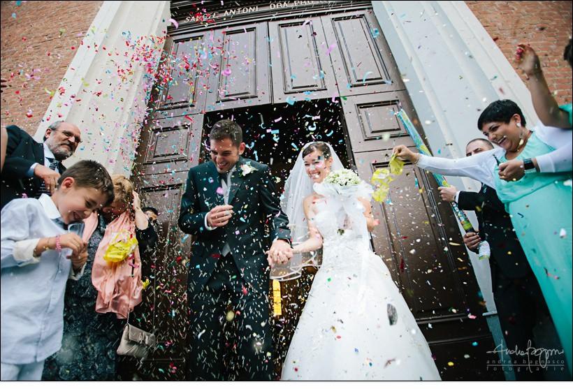 uscita sposi riso coriandoli confetti matrimonio alessandria
