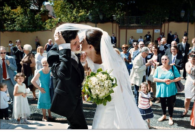 bacio sposi fotografo matrimonio savona