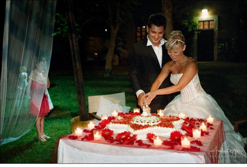 taglio torta matrimonio abbazia erbamara