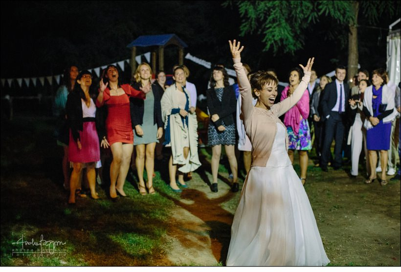lancio bouquet matrimonio campenave