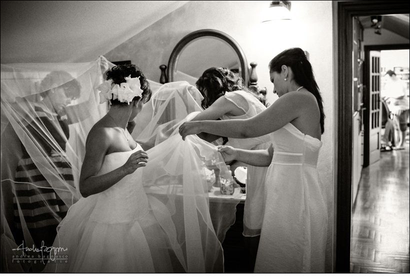 genova wedding photographer bride getting ready