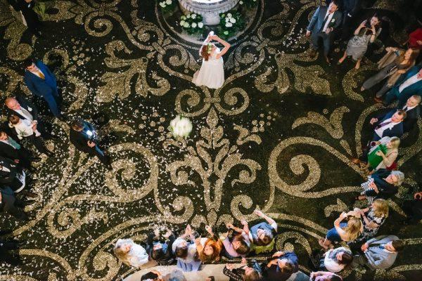 lancio bouquet sagrato matrimonio villa durazzo