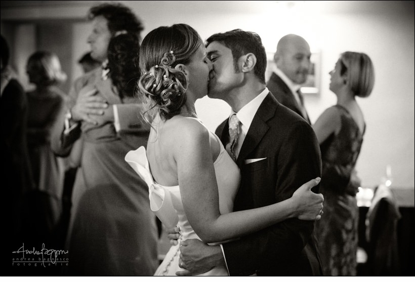 primo bacio dance first kiss langhe wedding italy