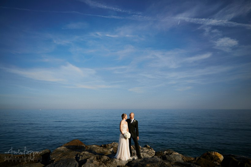Matrimonio Spiaggia Genova : Matrimonio sulla spiaggia agli stone beach laura marco