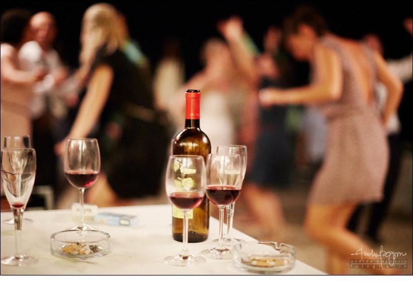 dettagli ricevimento bottiglia vino matrimonio spiaggia