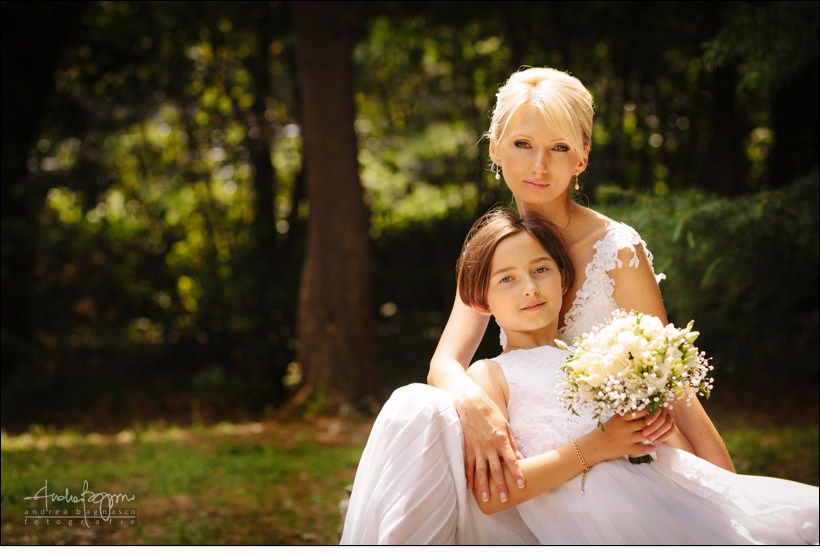 bride flower girl portrait wedding italy