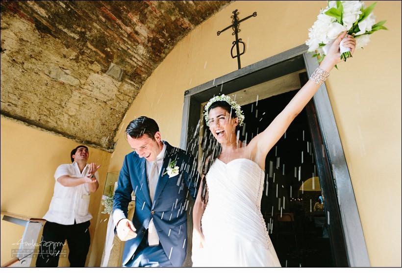uscita sposi riso confetti baba beach wedding alassio