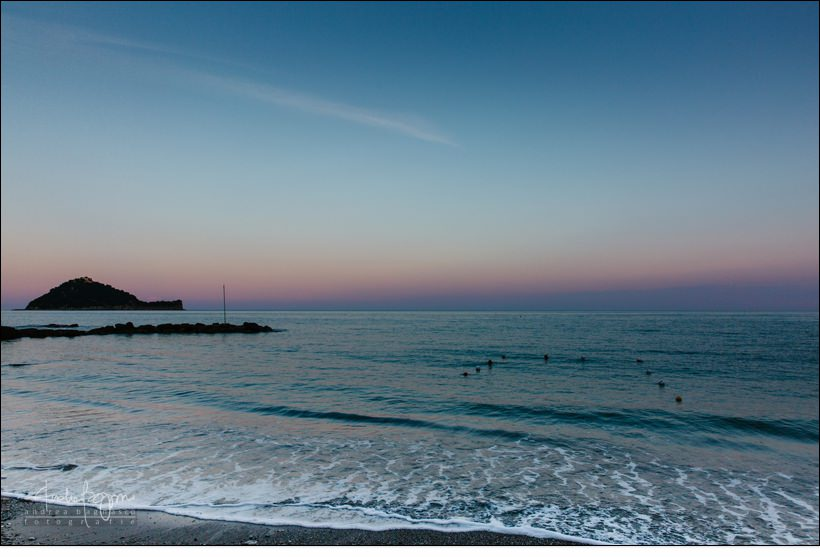 tramonto alassio spiaggia isola gallinara