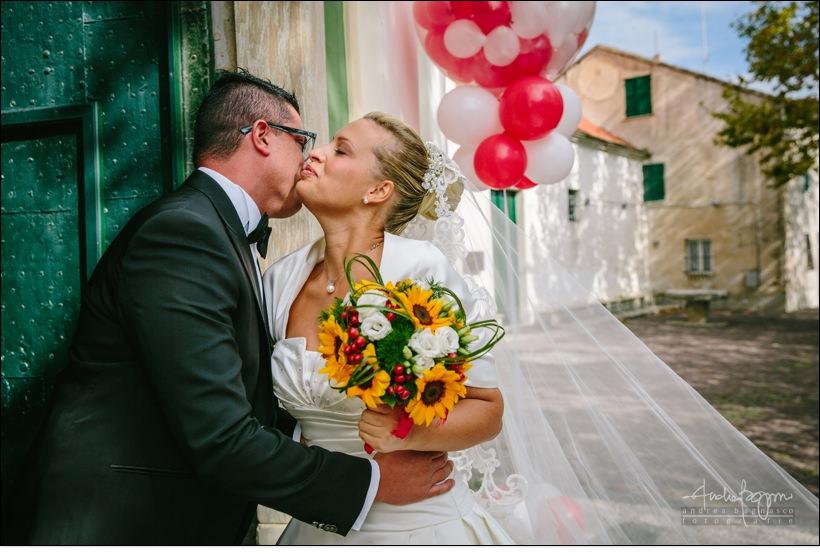 bacio sposi matrimonio voze
