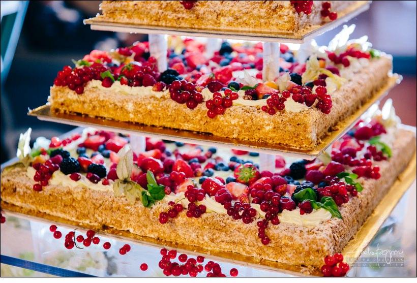wedding cake elegant italy monferrato