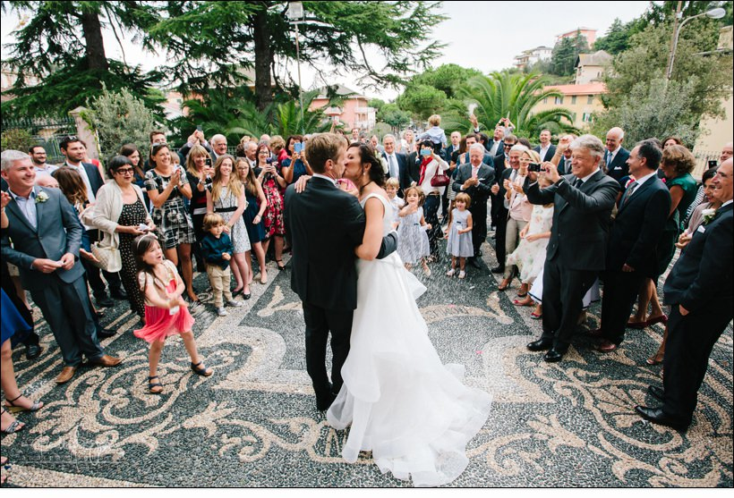 bacio sposi matrimonio celle ligure san michele