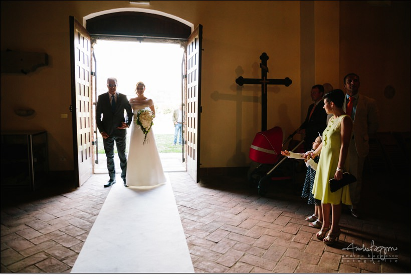 ingresso sposa reportage matrimonio shabby chic