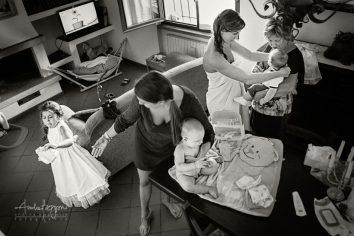 italy documentary wedding photographer matrimonio villa sparina