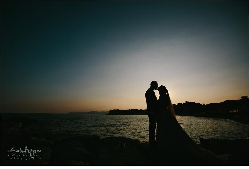 tramonto sposi matrimonio mare liguria