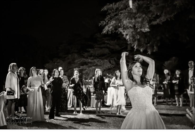 bouquet toss matrimonio villa faraggiana albissola