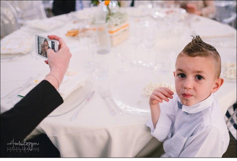 selfie invitati matrimonio orangerie villa lagorio
