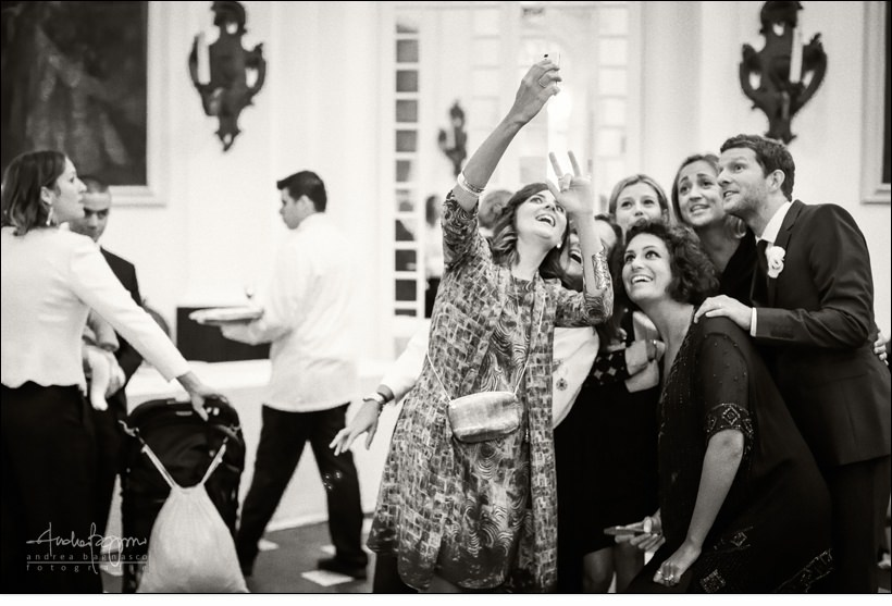 selfie guests villa durazzo wedding
