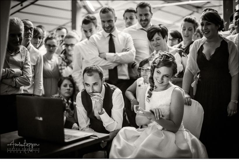 commozione matrimonio sposi