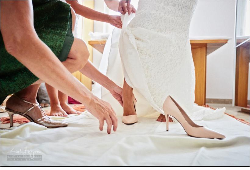 preparazione sposa scarpe