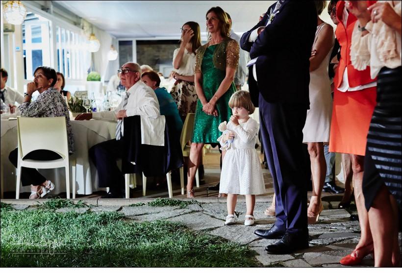 piccola invitata matrimonio bimba tenerezza