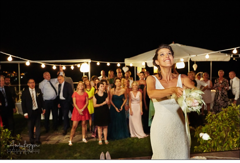 gorleri wine resort wedding bouquet toss