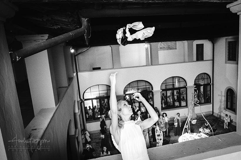 lancio bouquet matrimonio castello sant'ellero