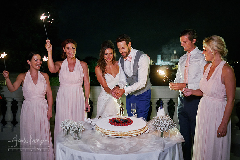 cake cutting wedding villa la vedetta