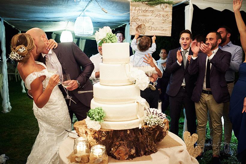 bacio sposi matrimonio poggio dei gorleri