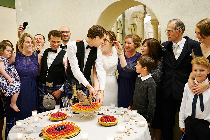 bacio sposi matrimonio finalborgo