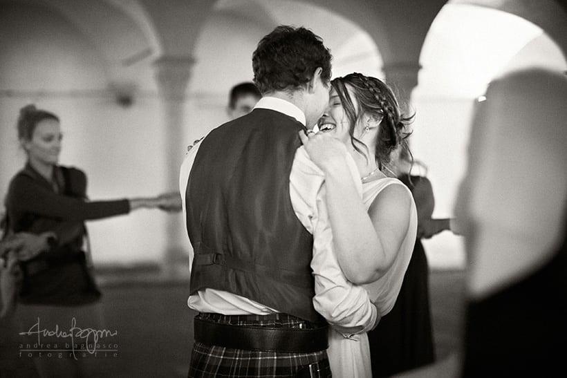 matrimonio romantico sposi finalborgo