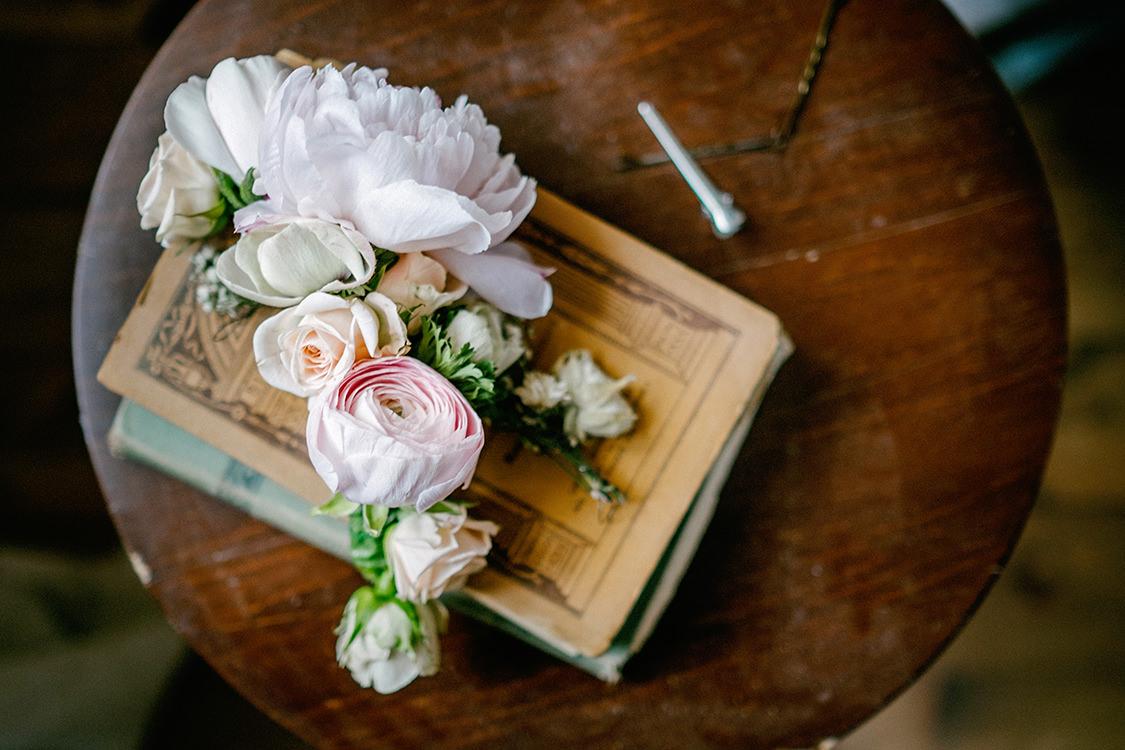 dettaglio bouquet sposa peonie