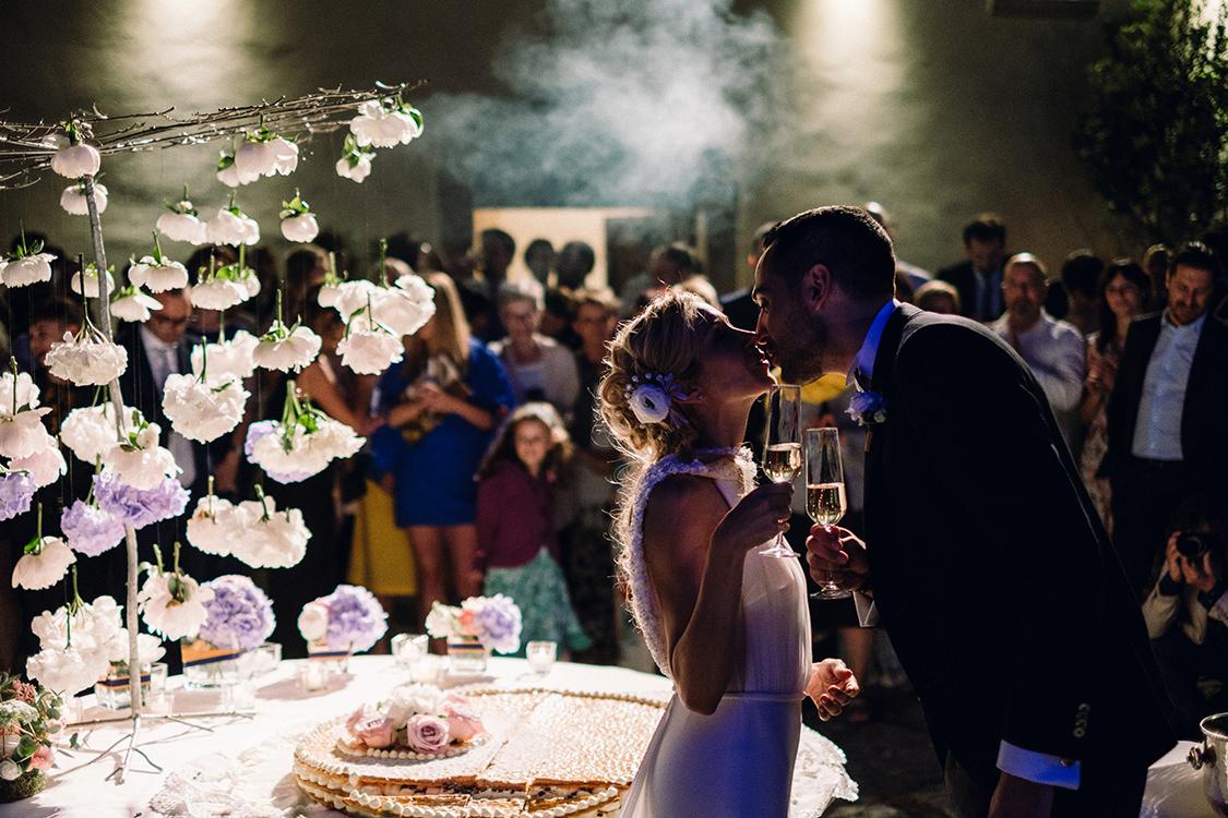 cake cutting wedding castello di sant'ellero
