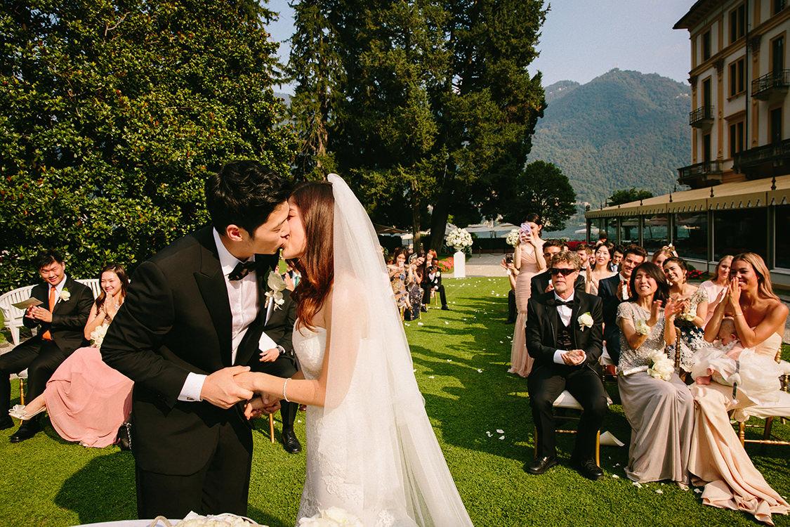 first kiss lake como wedding