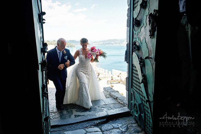 ingresso sposa San Pietro matrimonio Portovenere