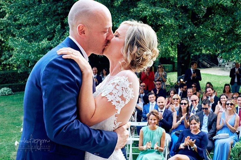 bacio sposi matrimonio
