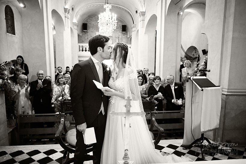 bacio sposi matrimonio costa azzurra