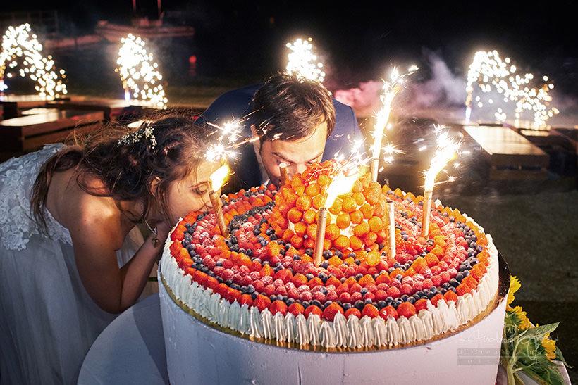 taglio torta matrimonio in costa azzurra