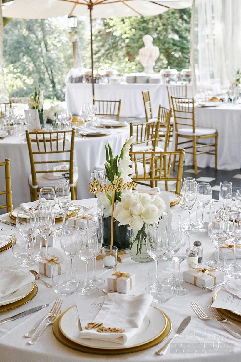 dettaglio tavoli matrimonio santa margherita oro e bianco