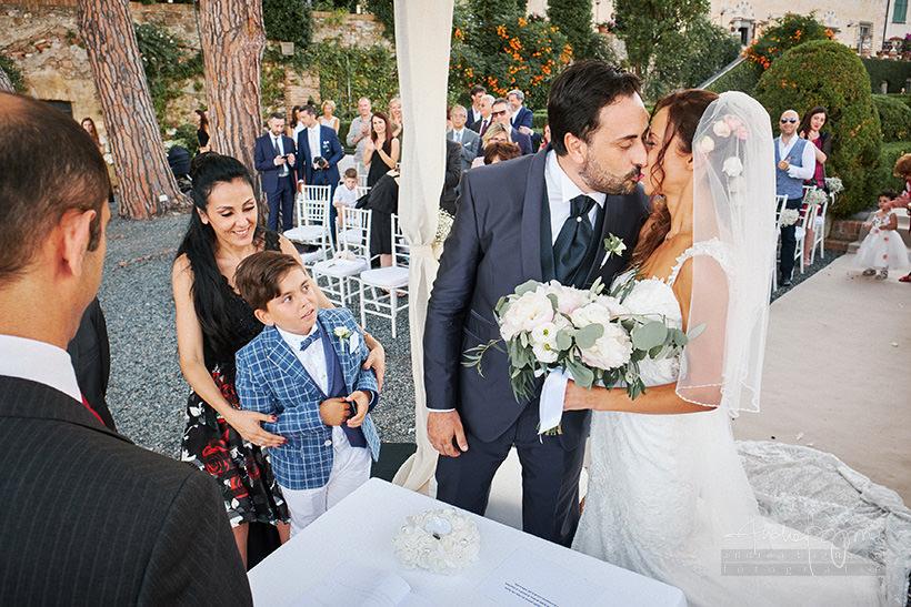 bacio sposi matrimonio la cervara