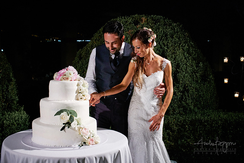taglio torta nuziale matrimonio