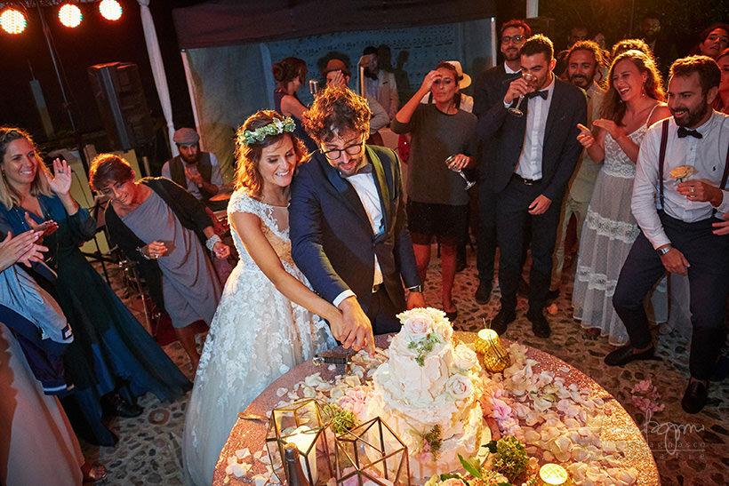 taglio torta nuziale sposi