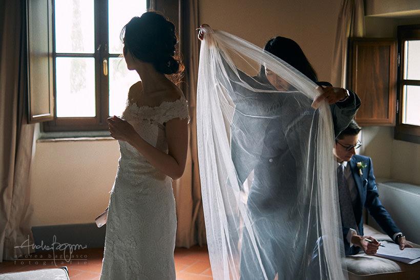 preparazione sposi matrimonio villa medicea di Lilliano