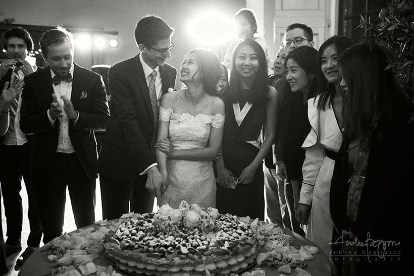 taglio torta nuziale matrimonio villa medicea di Lilliano