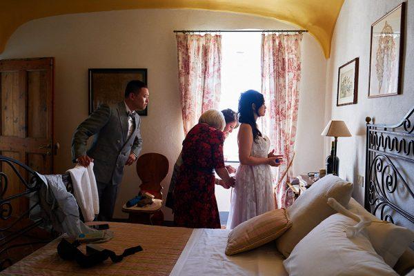 bride getting ready eremo della maddalena wedding