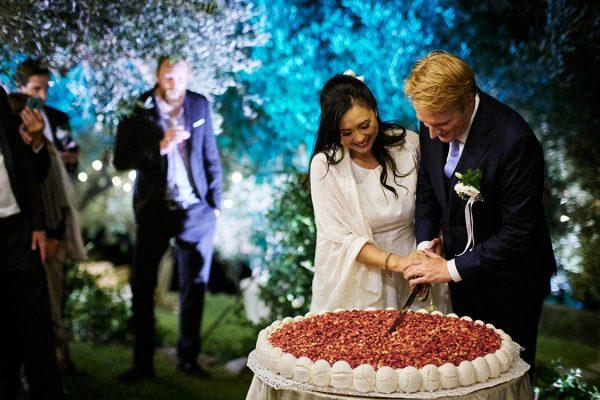 cake cutting wedding eremo della maddalena monterosso