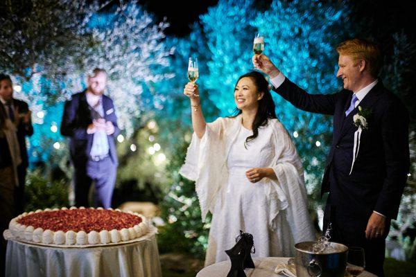 taglio della torta matrimonio eremo della maddalena