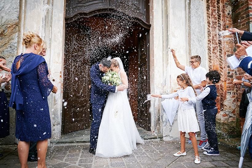 uscita chiesa matrimonio sposi biella