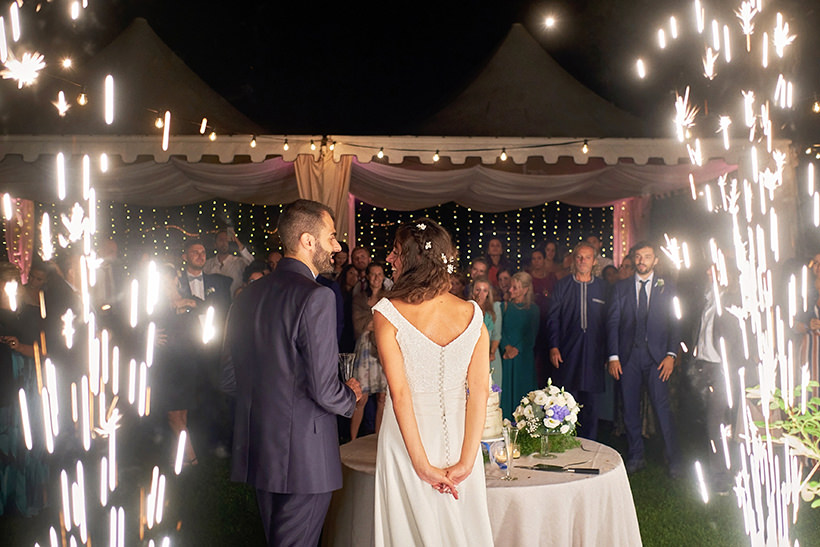 light fountains wedding cake cutting