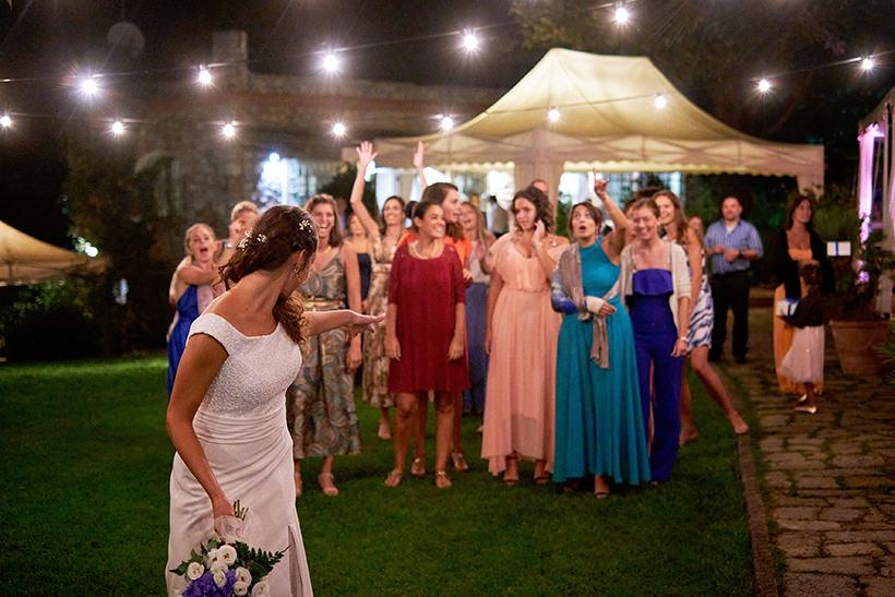 lancio del bouquet matrimonio la ginestra